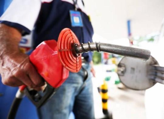 Petroleiros vendem gasolina e diesel a preço reduzido em Feira de Santana e Simões Filho | Marcelo Camargo | Agência Brasil