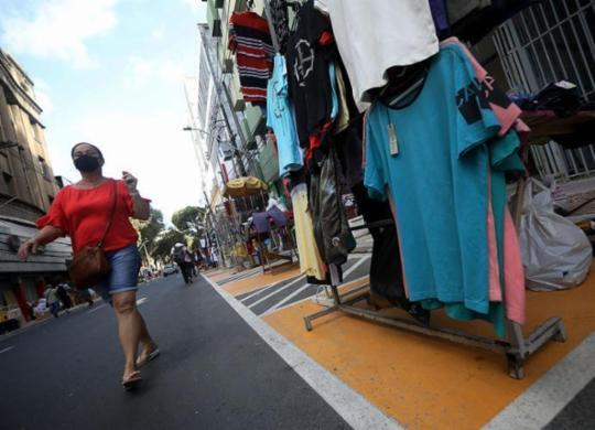 Shoppings e comércio de rua podem funcionar na segunda-feira; praias permanecem fechadas   Felipe Iruatã   Ag. A TARDE   11.08.2020