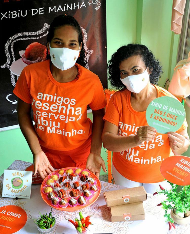Maria Eunice e Priscila criaram a marca Xibiu de Mainha | Foto: Felipe Iruatã | Ag. A TARDE