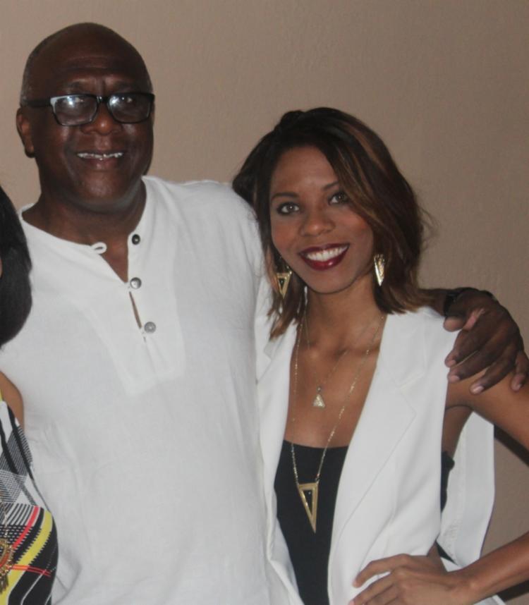 Atualmente, quem administra o bar é o de Ulisses, Jorge Lopes, e a neta, Lorine Lopes I Foto: Arquivo pessoal