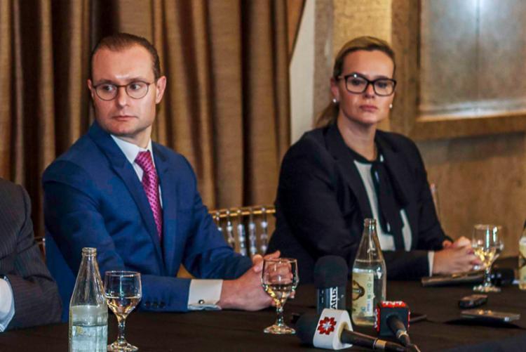 Os advogados Cristiano Zanin Martins e Valeska Teixeira Martins comentaram a decisão de Fachin - Foto: Divulgação
