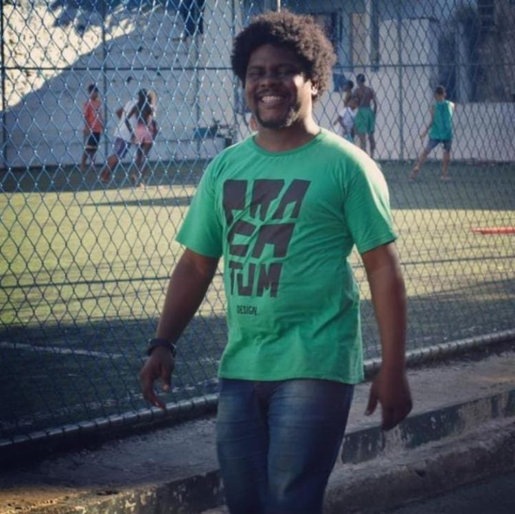 O assistente social Leonardo Oliveira diz que Candeal preserva espírito de comunidade e acolhimento