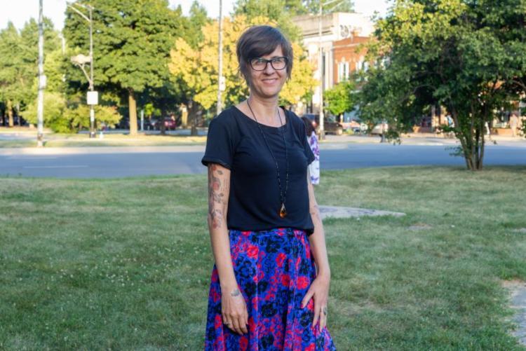 A artista visual Lanussi Pasquali é coordenadora do Ativa Atelier - Foto: Arquivo pessoal
