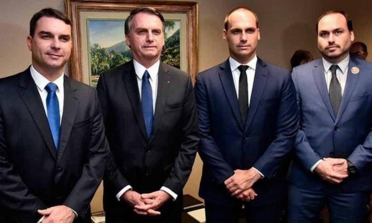 Investigação do Ministério Público Federal aponta repasses em gabinetes de 3 dos 4 membros da família no esquema das