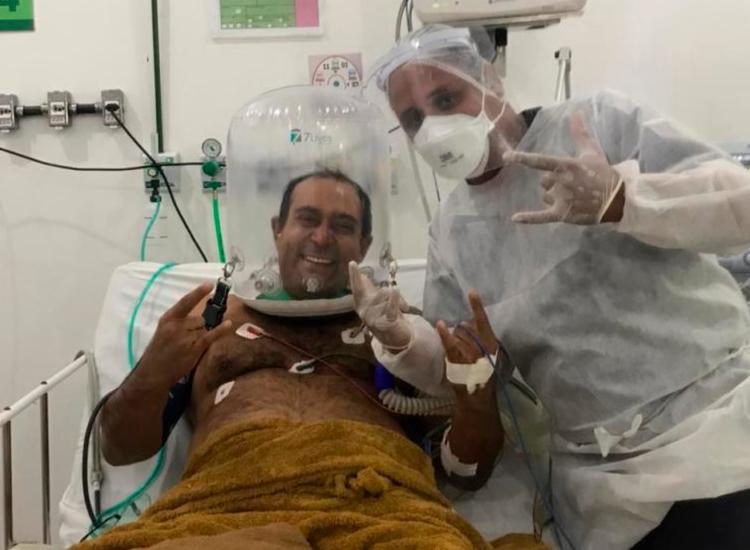 Alano Durães ficou na UTI por 21 dias e utilizou do capacete respiratório   Foto: Divulgação - Foto: Divulgação