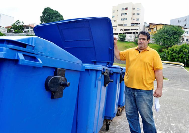 Síndico de um condomínio em Brotas, Sampaio investe em reciclagem | Foto: Shirley Stolze | Ag. A TARDE - Foto: Shirley Stolze | Ag. A TARDE