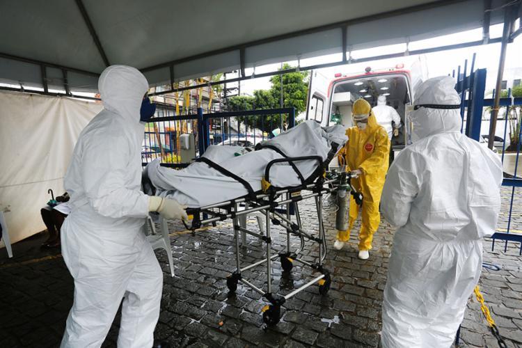 A pandemia em aceleração é a colheita de uma deliberada semeadura, desenvolvida à base de inépcia ou maldade | Foto: - Foto: Olga Leiria | Ag. A TARDE | 12.1.2021