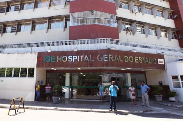 Os feridos foram socorridos por populares e levados para o HGE | Foto: Divulgação | Sesab - Foto: Divulgação | Sesab