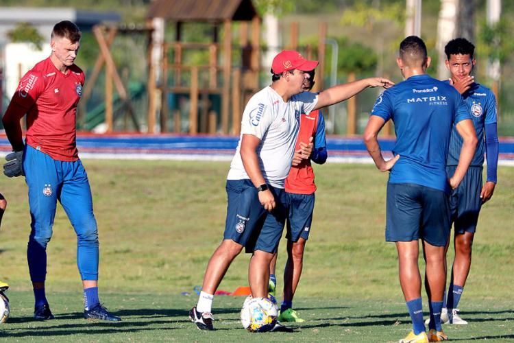 O treinador Tricolor comandou um treino tático, parando a atividade a todo instante para passar orientações | Foto: Felipe Oliveira | EC Bahia - Foto: Felipe Oliveira | EC Bahia
