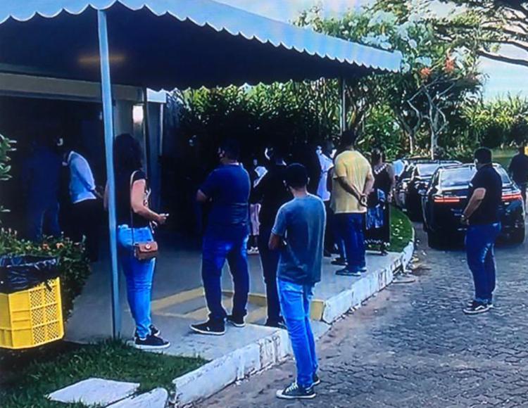 Corpo do vereador foi sepultado no cemitério Jardim da Saudade, no bairro de Brotas, neste sábado, 20 | Foto: Reprodução | Rede Bahia - Foto: Reprodução | Rede Bahia
