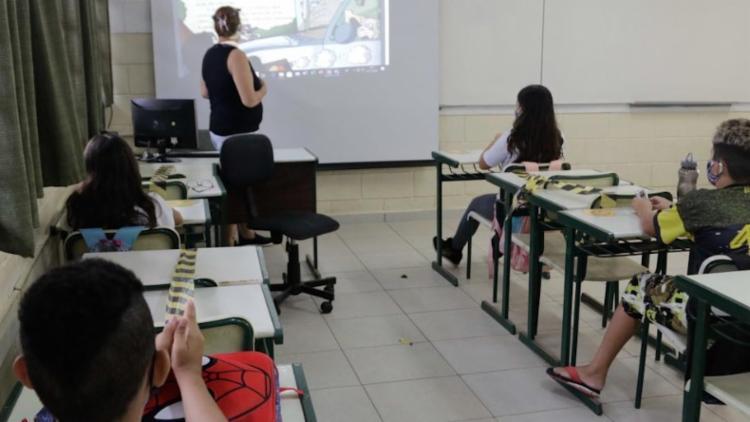 Manutenção das escolas abertas tem gerado impasse no governo estadual - Foto: Reprodução