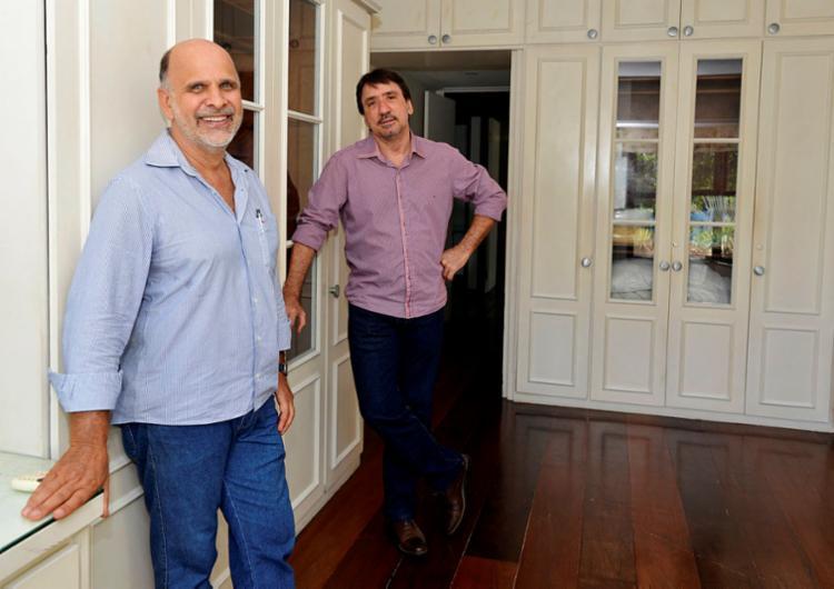 Fernandes e Guimarães recomendam atenção para a procedência do anúncio, da empresa e do corretor | Foto: Shirley Stolze | Ag. A TARDE