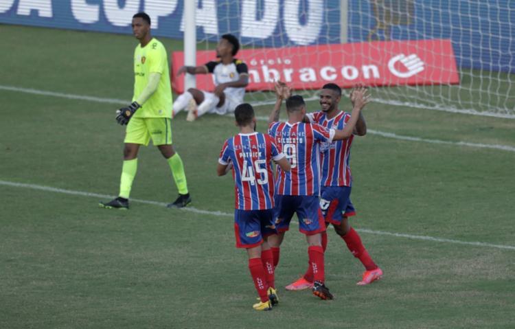 O atacante Gabriel Novaes marcou duas vezes | Foto: Uendel Galter | Ag. A TARDE - Foto: Uendel Galter | Ag. A TARDE