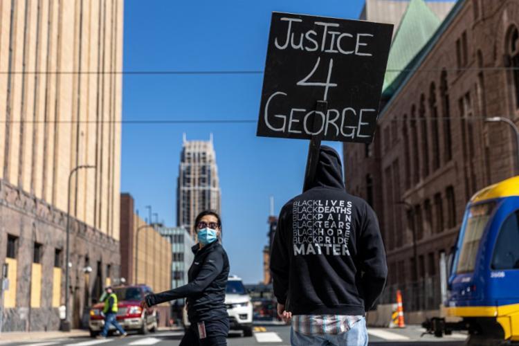 Julgamento começou nesta segunda-feira, 29 - Foto: Kerem Yucel | AFP