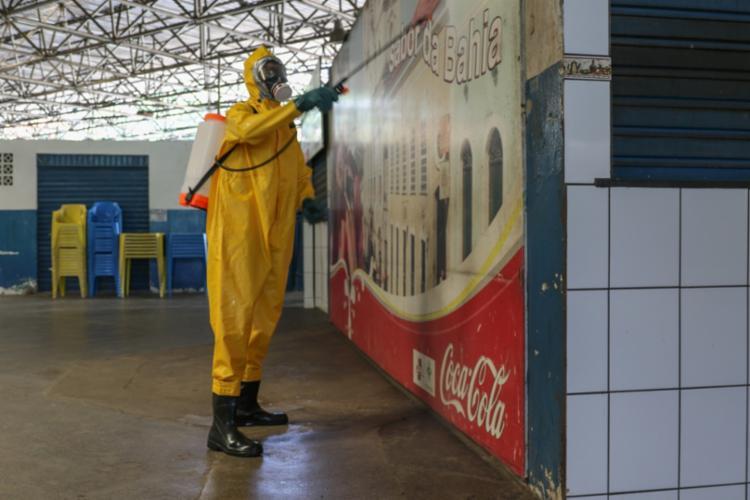 Primeira desinfeção foi realizada no mercado do Ogunjá, neste domingo, 7 - Foto: SD BM Marlon | CBMBA