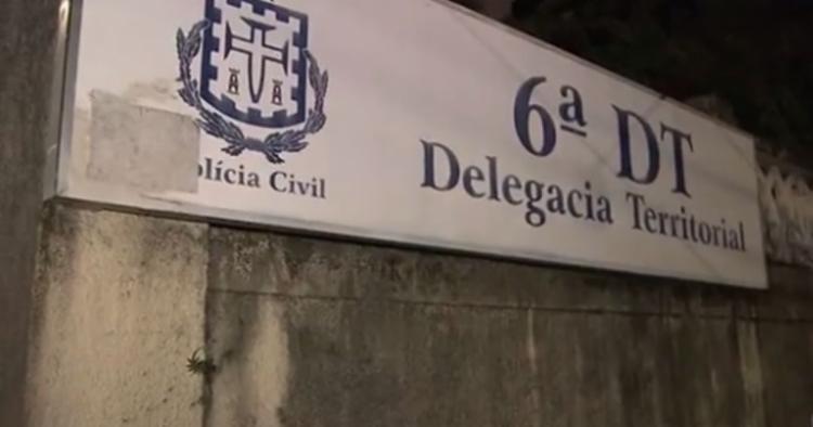 Homem nesta segunda-feira, 1º, na 6ª Delegacia Territorial (DT), no bairro de Brotas, em Salvador | Foto: Reprodução - Foto: Reprodução