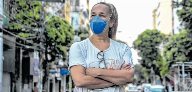Sandra Carvalho graduou-se em Serviço Social pela Ucsal há 20 anos - Foto: Felipe Iruatã   Ag. A TARDE