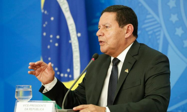 Mourão disse não ter conversado ainda com o presidente Jair Bolsonaro sobre o assunto - Foto: Reprodução