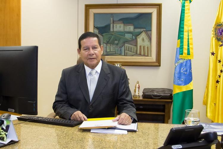 Mourão voltou a frisar que petista é um político