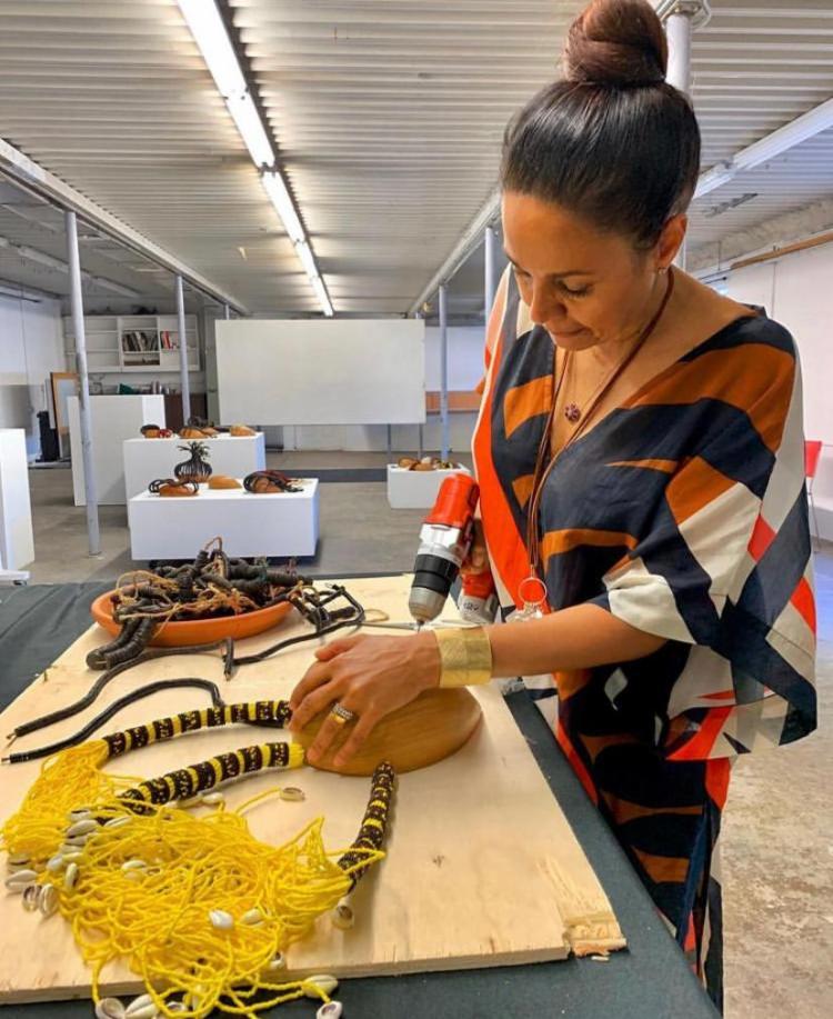 A obra, que sai pela Companhia das Letras, contará com duas obras da artista plástica baiana Nádia Taquary | Foto: Reprodução - Foto: Reprodução