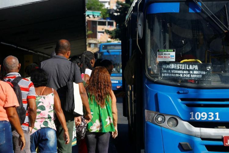 Também faz parte do acordo a compensação das horas extras em seis meses | Foto: Rafael Martins | Ag. A TARDE - Foto: Rafael Martins | Ag. A TARDE