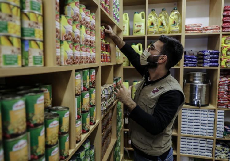Quase um bilhão de toneladas de alimentos é desperdiçado a cada ano no mundo - Foto: Joseph Eid | AFP