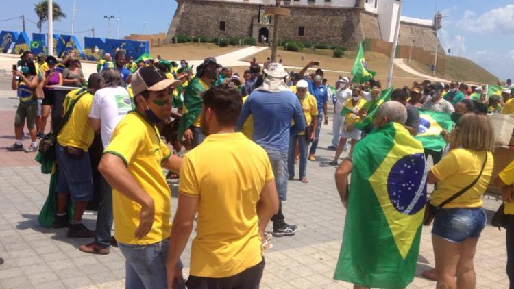 Manifestantes encerraram carreata no Farol da Barra | Foto: Olga Leiria | Ag. A TARDE