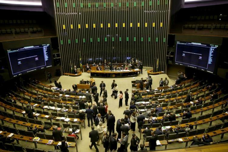 Proposta abre espaço para concessão do novo auxílio emergencial com R$ 44 bilhões - Foto: Agência Brasil