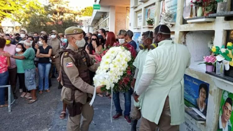 PMs participam do enterro do soldado Wesley Soares Góes, morto pelo Bope após sofrer um surto psicótico | Foto: Reprodução | Redes sociais - Foto: Reprodução | Redes sociais
