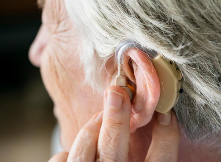 Cerca de 2,5 bilhões de pessoas no mundo terá problemas auditivos em 2050 no mundo | Foto: Freepik - Foto: Freepik
