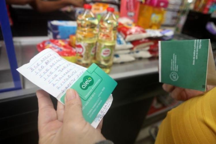 Benefício é destinado, exclusivamente, para a compra de gêneros alimentícios | Foto: Reprodução - Foto: Reprodução