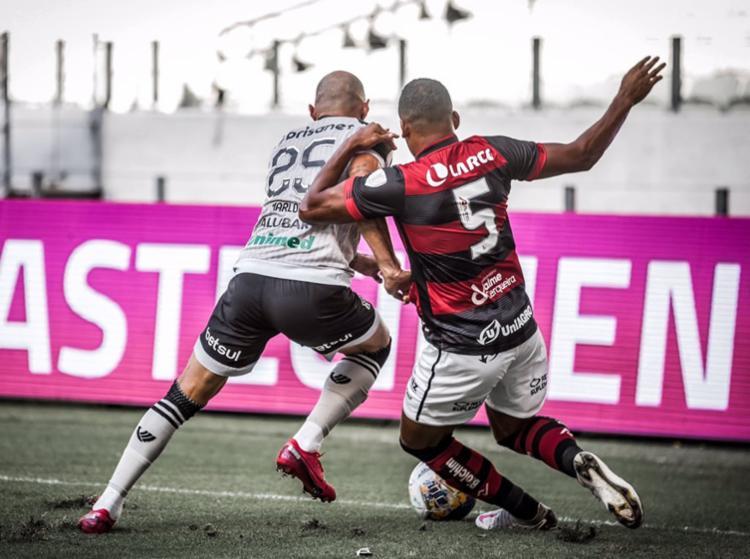 O Ceará cruzou o caminho do Vitória e venceu o Rubro-Negro - Foto: felipe Santos | Esporte clbe vitoria