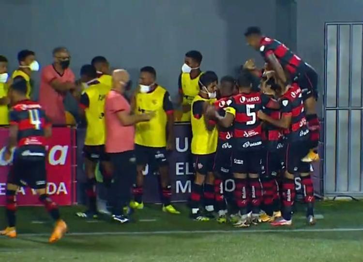 Leão saiu atrás no placar, reagiu na Arena Cajueiro, mas não consegue a virada | Foto: Reprodução - Foto: Reprodução