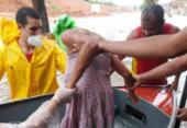 Moradores são resgatados por bombeiros após alagamento no Bairro da Paz | Foto: Divulgação | CBM