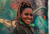 Cantora nigeriana radicada em Salvador, Okwei Odili lança disco em homenagem a Oxumaré | Foto: Carolina Santana | Divulgação