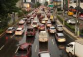 Chuva deixa trânsito congestionado em diversos pontos da capital | Foto: Nelson Luiz | Ag. A TARDE