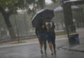 Salvador amanhece com chuva e riscos de deslizamentos | Raphael Müller | Ag. A TARDE