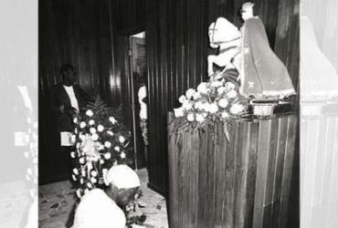 Mesmo com festa tornada facultativa São Jorge mantém devotos | Abmael Silva | Arquivo A TARDE | 23.1.1992