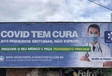 """Peça publicitária assinada por associação de médicos promete """"cura"""" da Covid-19   Reprodução   Twitter"""