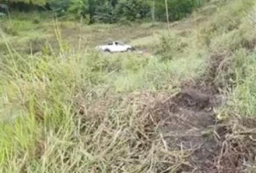 Veículo cai em ribanceira na BR-101; um homem morreu no acidente   Reprodução
