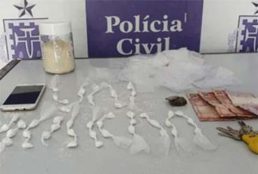 Suspeito de tráfico é preso com 51 porções de cocaína em Alagoinhas