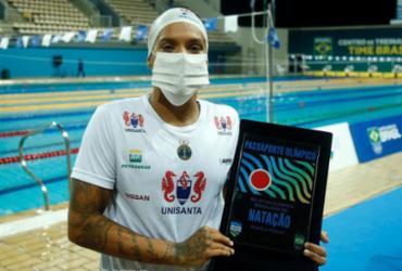 Ana Marcela conquista vaga olímpica na piscina e nas águas abertas |