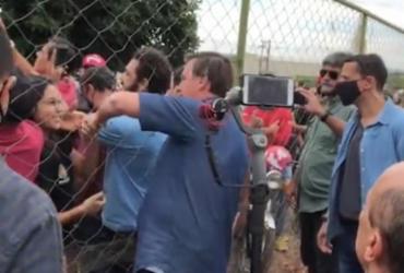 Bolsonaro faz visita sem máscara e provoca aglomeração em cidade goiana   Reprodução   Instagram