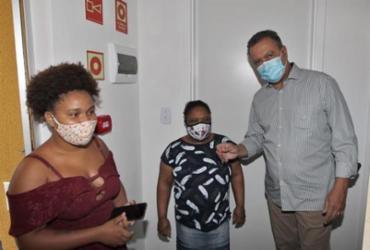 Famílias recebem novas moradias no bairro do Costa Azul | Mateus Pereira | GOVBA