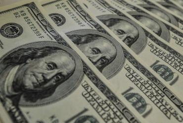 Dólar sobe para R$ 5,67, mas cai 0,81% na semana | Agência Brasil