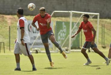 Jogadores do Vitória treinam finalização para duelo contra o Jacuipense | Pietro Carpi | EC Vitória
