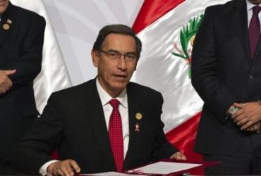 Ex-presidente do Peru toma vacina contra covid escondido e é cassado | AFP