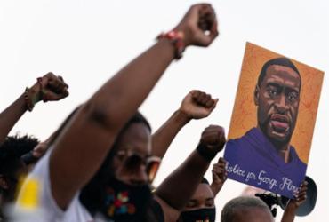 Editorial - Alento contra o racismo   Elijah Nouvelage   AFP