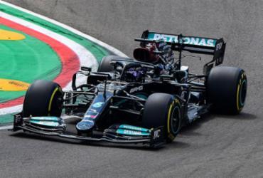 GP da Emilia-Romagna: Hamilton crava 99ª pole da carreira e larga na frente | Miguel Medina | AFP