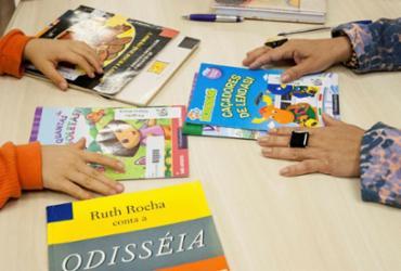 Taxação de livros no Brasil é retrocesso, afirma especialista em Direito Público | Márcio Henrique Martins | Cultura SC